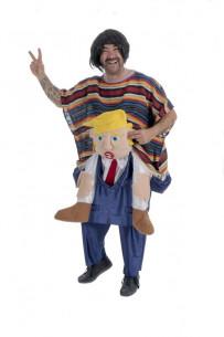 Disfraz mexicano sobre Trump