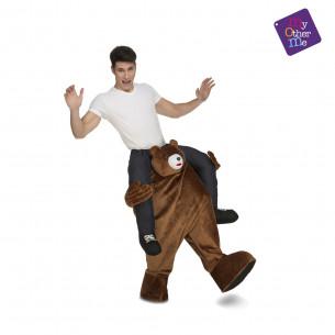 Disfraz hombre sobre oso